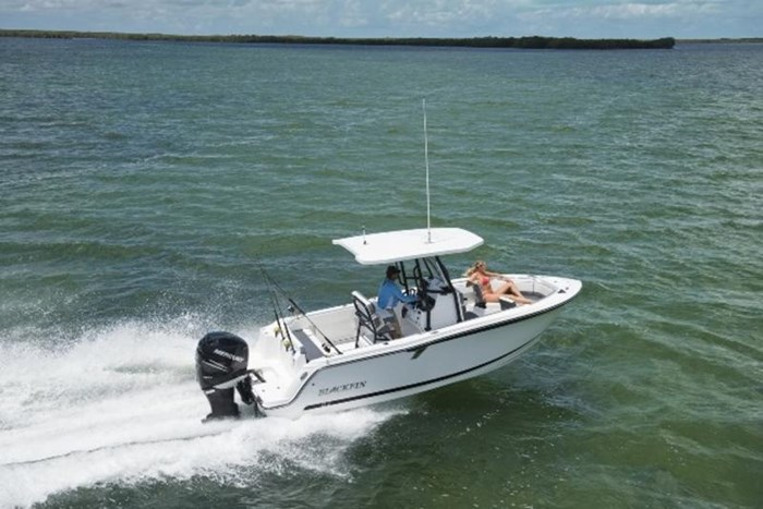 2019 Blackfin 212 CC Center Console Photo 13 sur 15
