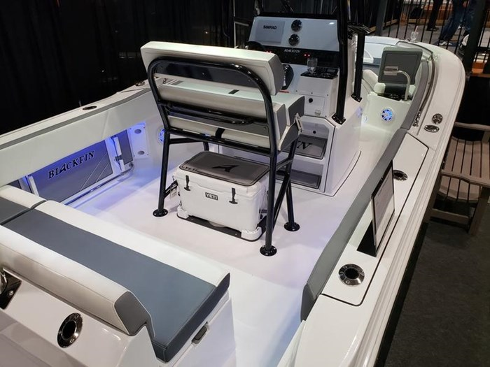2019 Blackfin 212 CC Center Console Photo 3 sur 15