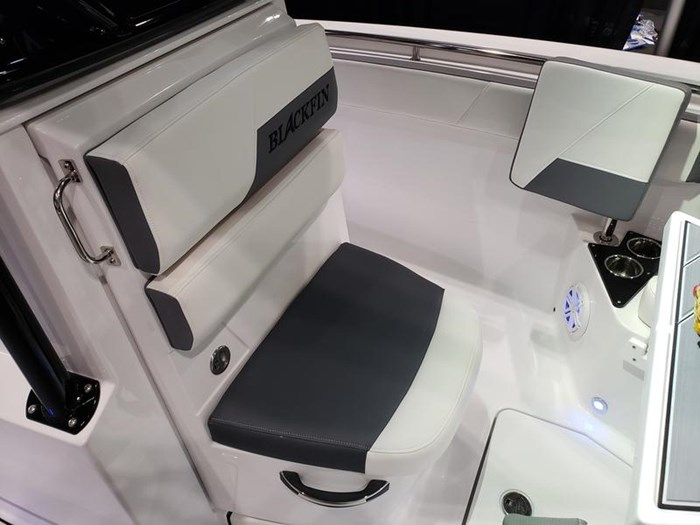 2019 Blackfin 212 CC Center Console Photo 9 sur 15
