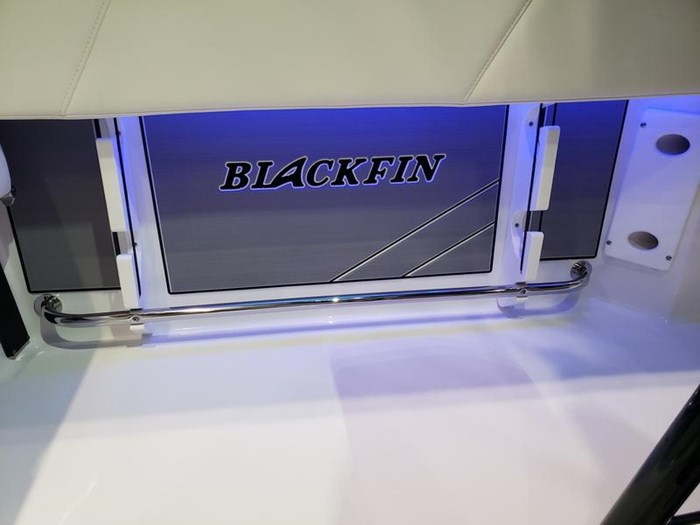 2019 Blackfin 212 CC Center Console Photo 12 sur 15