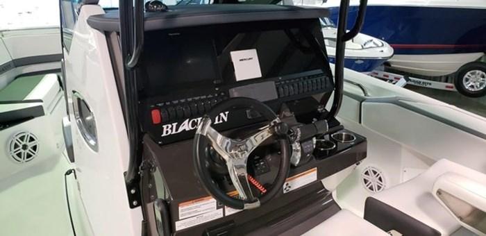 2019 Blackfin 272 CC Center Console Photo 6 sur 22