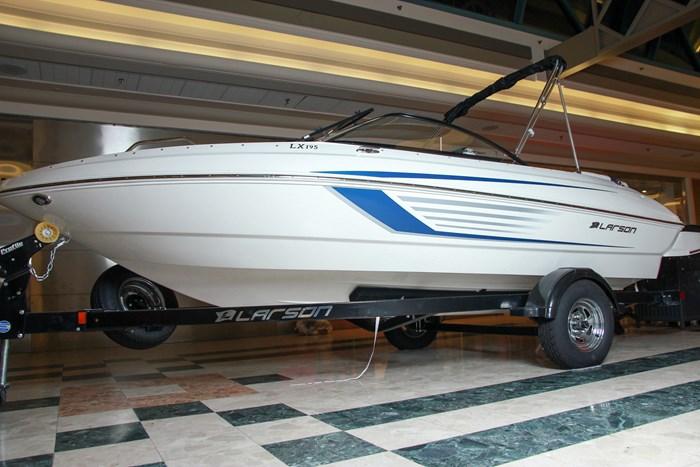 Larson Lx195 2019 Used Boat For Sale In Ottawa Ontario Boatdealers Ca