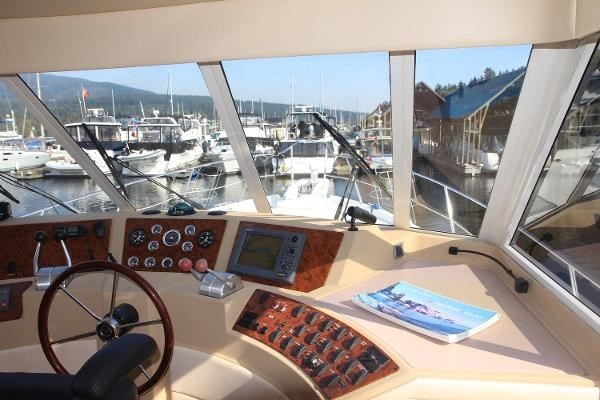 2003 Meridian 490 Pilothouse Photo 34 sur 62