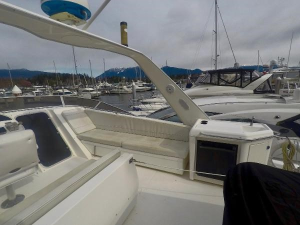 2003 Meridian 490 Pilothouse Photo 50 sur 62