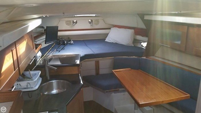 1989 Cruisers Yachts 3270 Esprit Photo 10 of 20