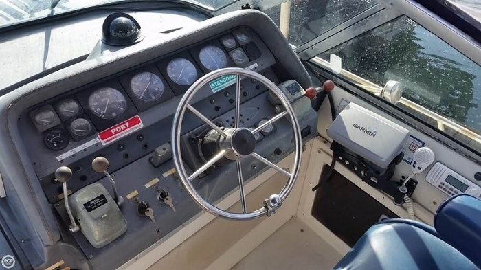 1989 Cruisers Yachts 3270 Esprit Photo 19 of 20