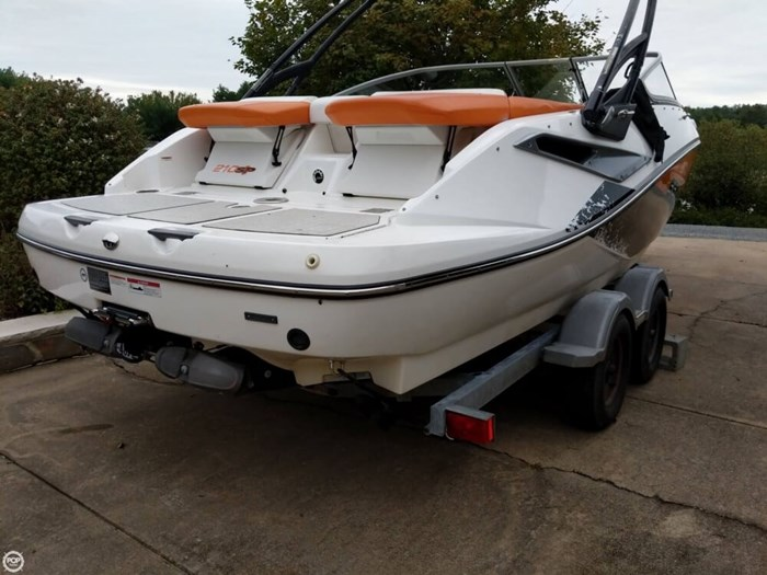 2011 Sea-Doo Challenger 210SP Photo 3 sur 20