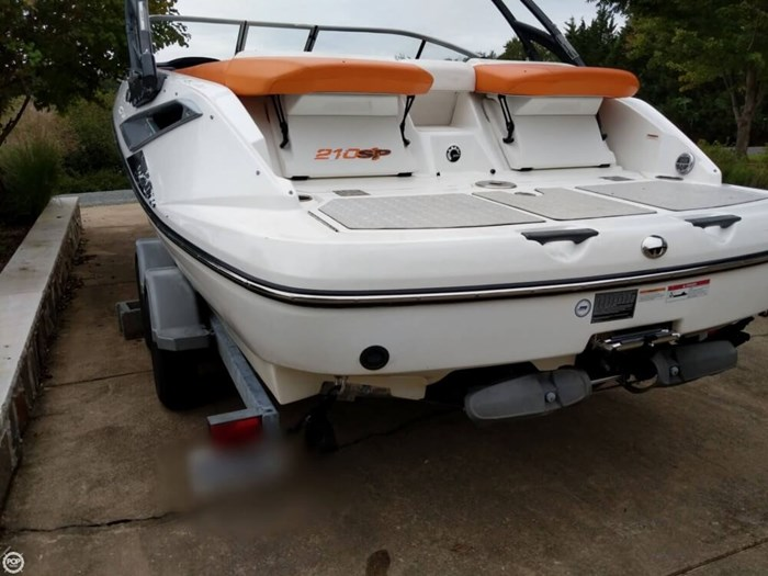 2011 Sea-Doo Challenger 210SP Photo 16 sur 20