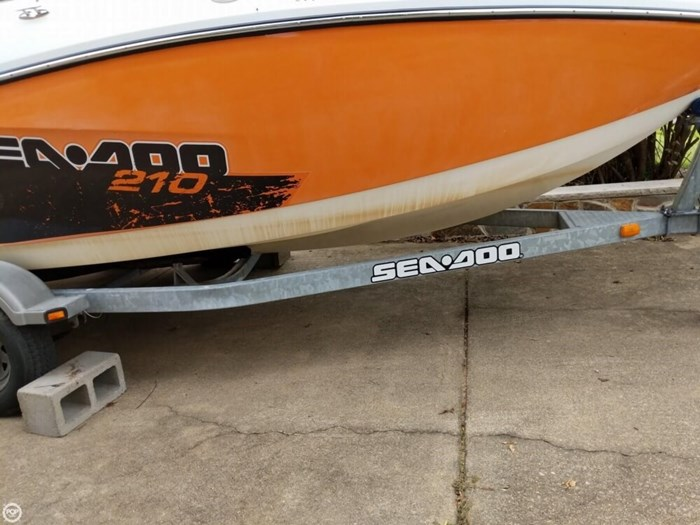 2011 Sea-Doo Challenger 210SP Photo 17 sur 20