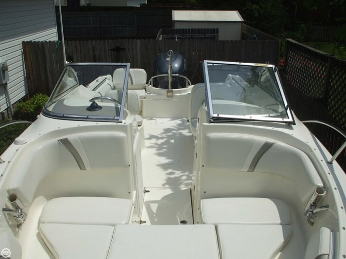 2005 Wellcraft 220 Sportsman Photo 2 of 20