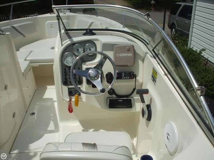 2005 Wellcraft 220 Sportsman Photo 3 of 20