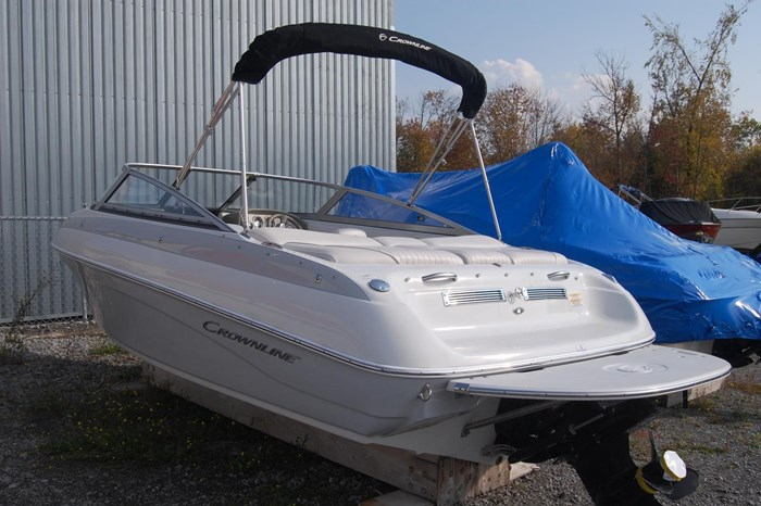 2015 Crownline 18SS Photo 2 of 19