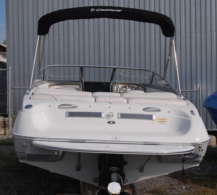 2015 Crownline 18SS Photo 4 of 19