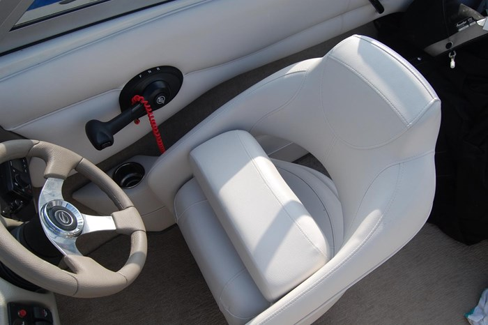 2015 Crownline 18SS Photo 9 of 19