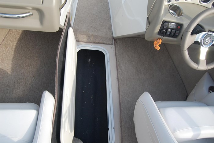 2015 Crownline 18SS Photo 11 of 19