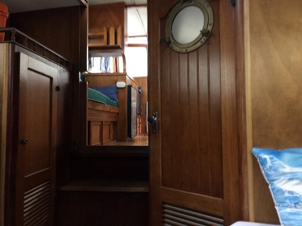 1976 CHB 34 Aft Cabin Trawler Photo 31 of 39