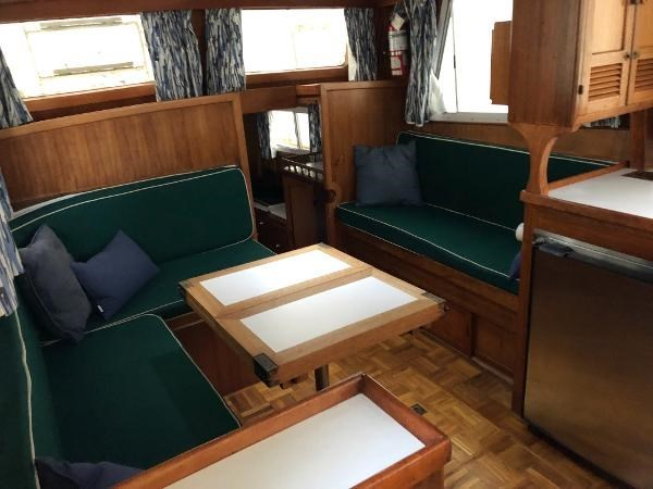 1976 CHB 34 Aft Cabin Trawler Photo 21 of 39