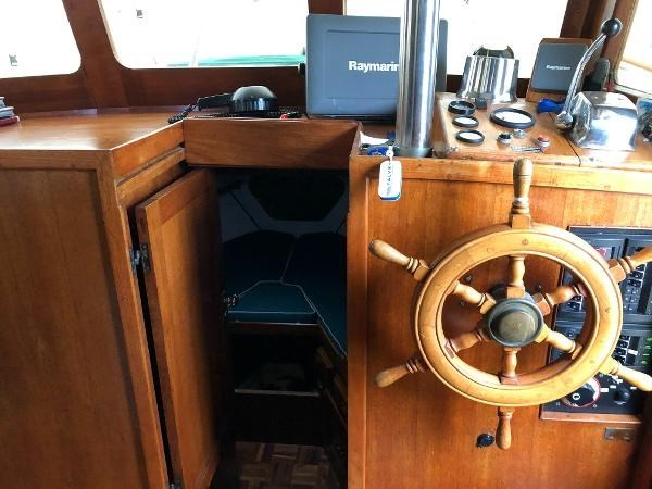 1976 CHB 34 Aft Cabin Trawler Photo 32 of 39