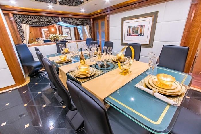 2006 Sensation Yachts CABERNET Photo 14 sur 69
