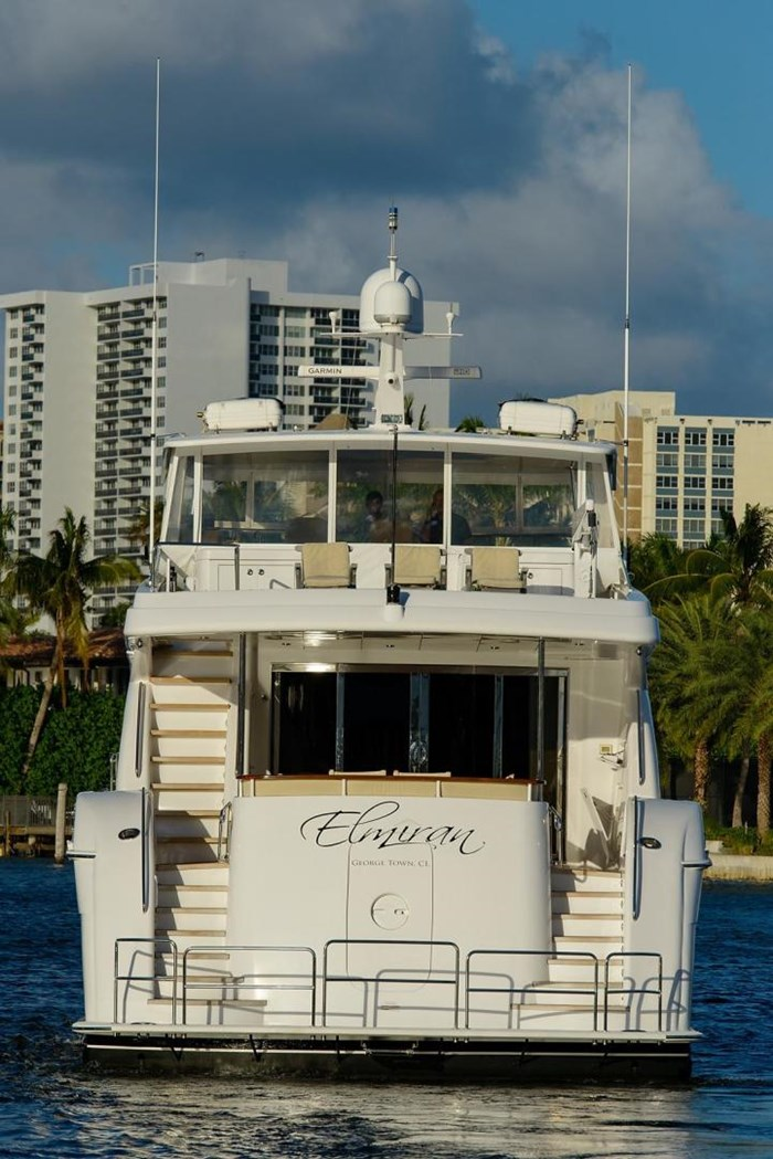 2013 Hatteras 80 Motor Yacht Photo 11 sur 66