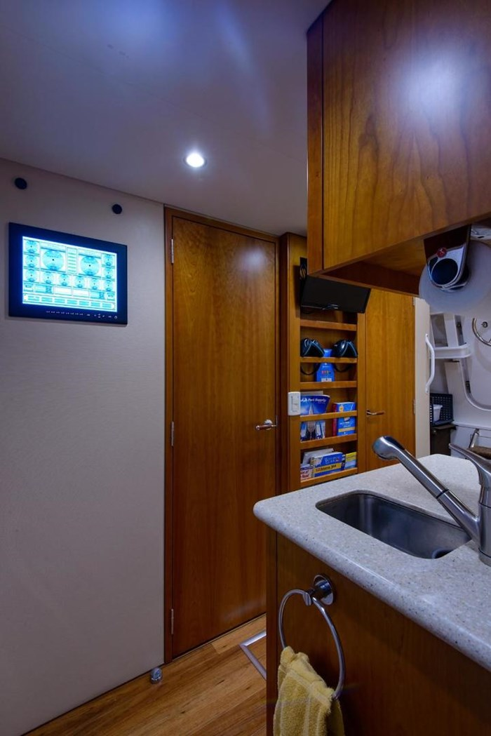 2013 Hatteras 80 Motor Yacht Photo 26 sur 66