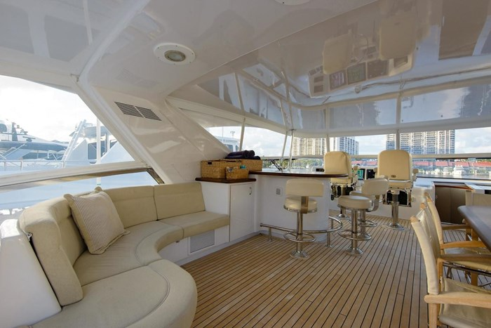 2013 Hatteras 80 Motor Yacht Photo 39 sur 66