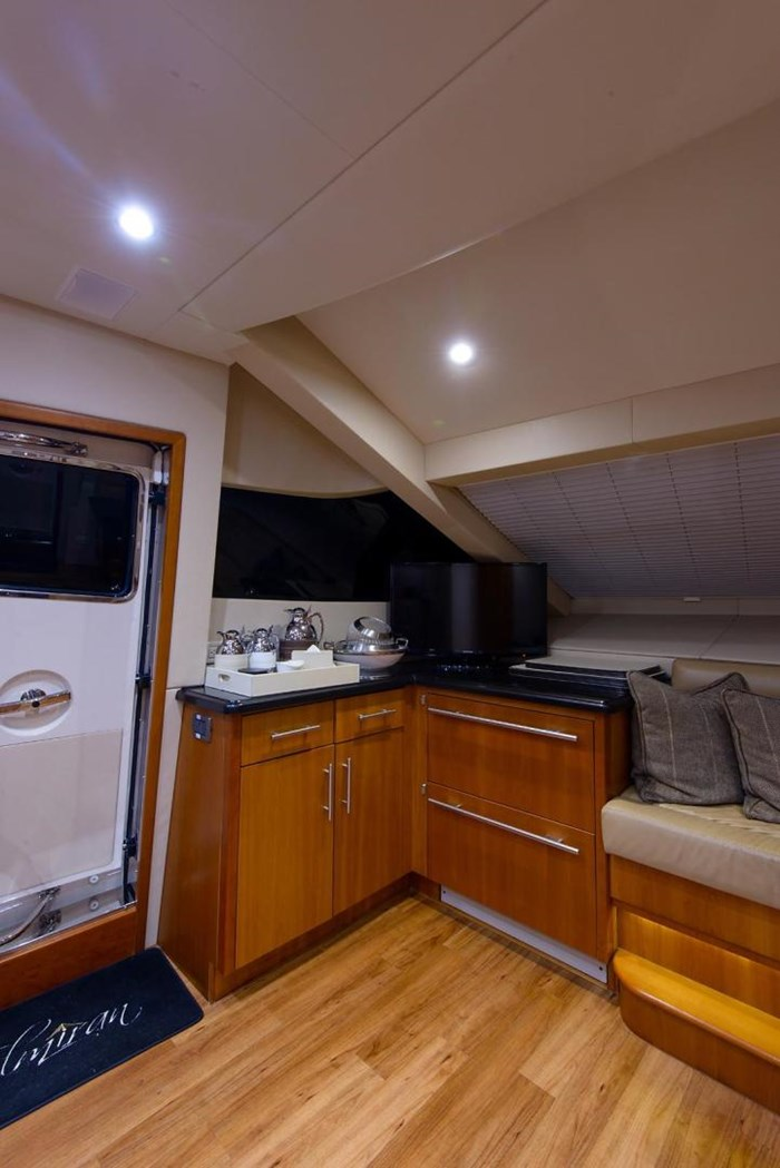 2013 Hatteras 80 Motor Yacht Photo 55 sur 66