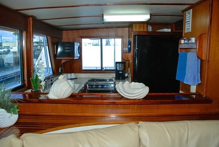 2001 Infinity Cockpit Motor Yacht Photo 5 of 57
