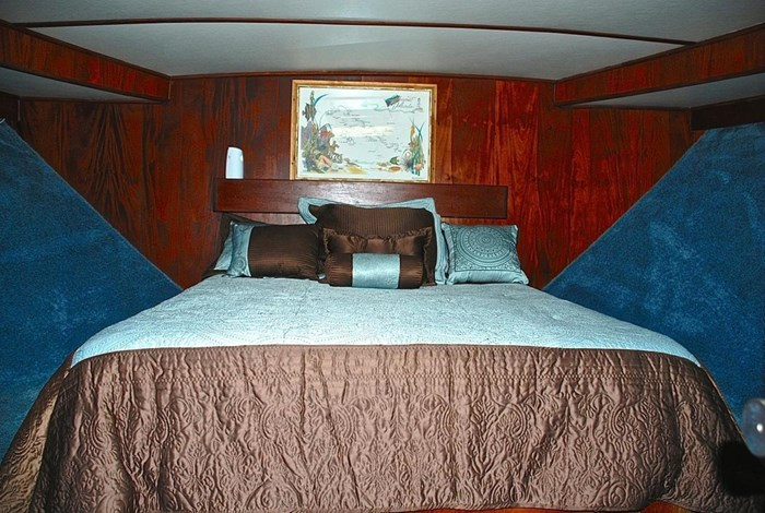 2001 Infinity Cockpit Motor Yacht Photo 14 of 57
