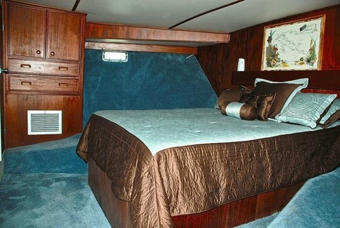 2001 Infinity Cockpit Motor Yacht Photo 15 of 57