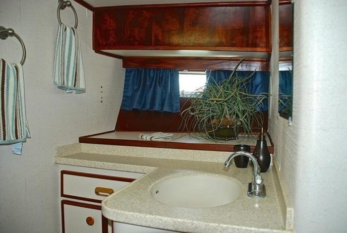 2001 Infinity Cockpit Motor Yacht Photo 17 of 57