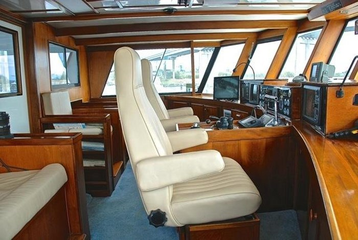 2001 Infinity Cockpit Motor Yacht Photo 27 of 57