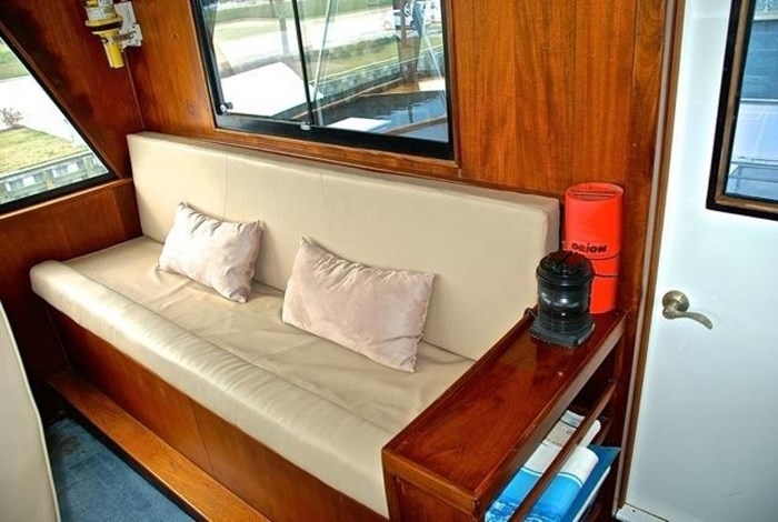 2001 Infinity Cockpit Motor Yacht Photo 30 of 57