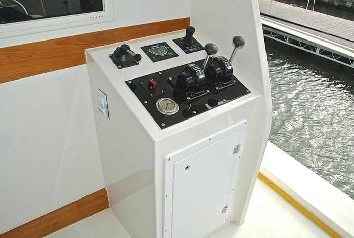 2001 Infinity Cockpit Motor Yacht Photo 41 of 57