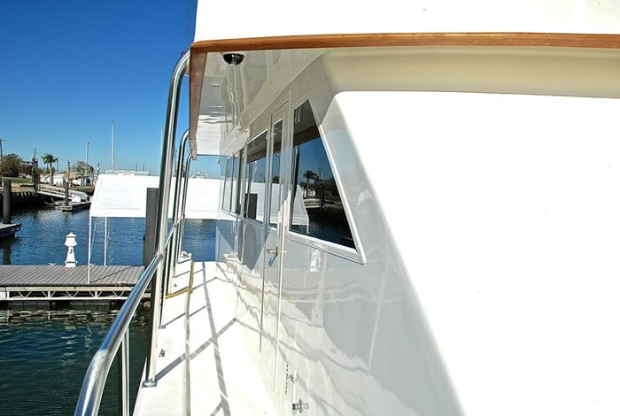 2001 Infinity Cockpit Motor Yacht Photo 45 of 57