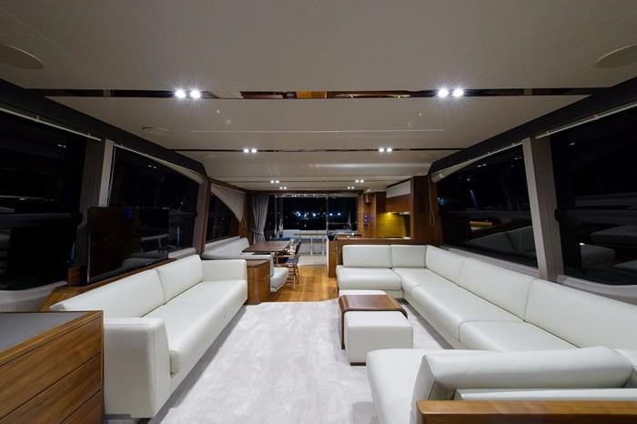 2015 Princess Flybridge 68 Motoryacht Photo 5 sur 39