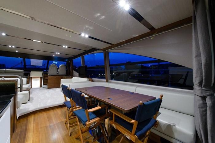 2015 Princess Flybridge 68 Motoryacht Photo 6 sur 39