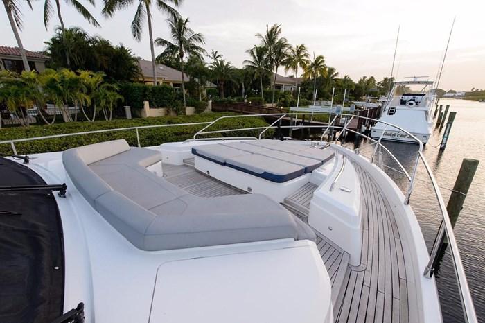 2015 Princess Flybridge 68 Motoryacht Photo 26 sur 39