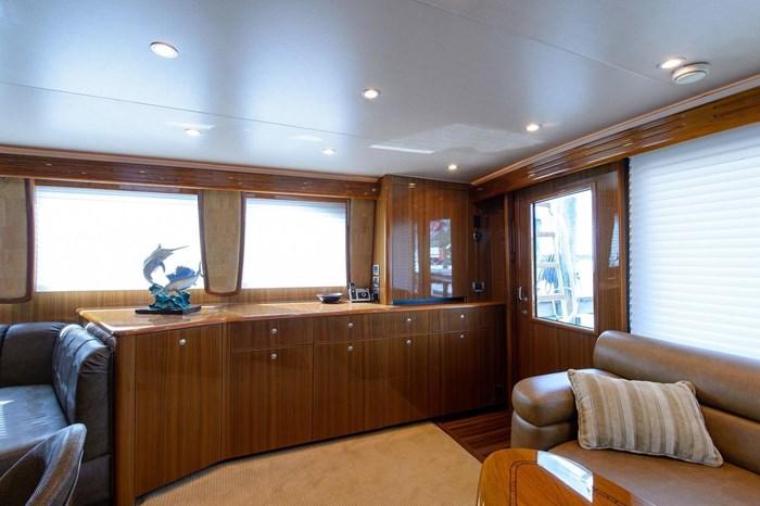 2008 Viking Yachts Convertible Photo 9 sur 42