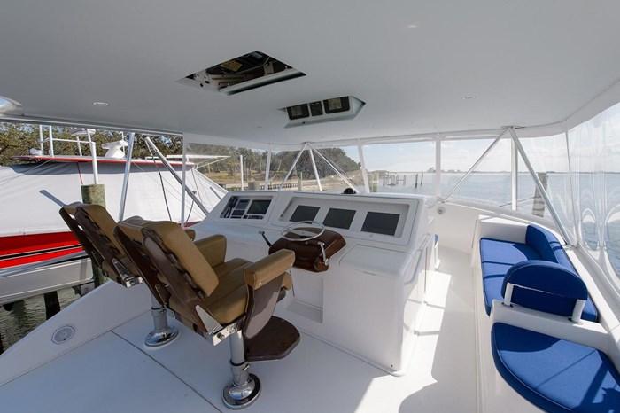 2008 Viking Yachts Convertible Photo 35 sur 42