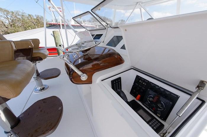 2008 Viking Yachts Convertible Photo 37 sur 42