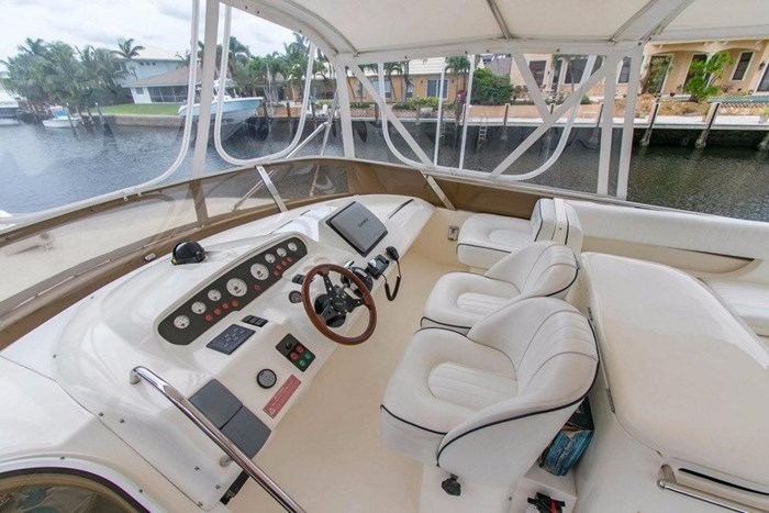 2001 Viking Yachts Sport Cruiser VSC60 Photo 9 of 54