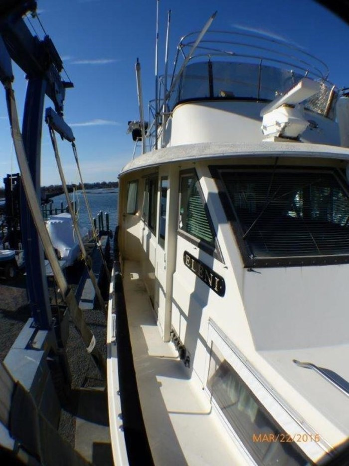 1979 Hatteras 53 Motor Yacht Photo 7 of 27