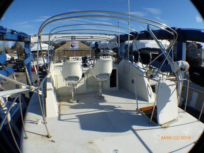 1979 Hatteras 53 Motor Yacht Photo 8 of 27