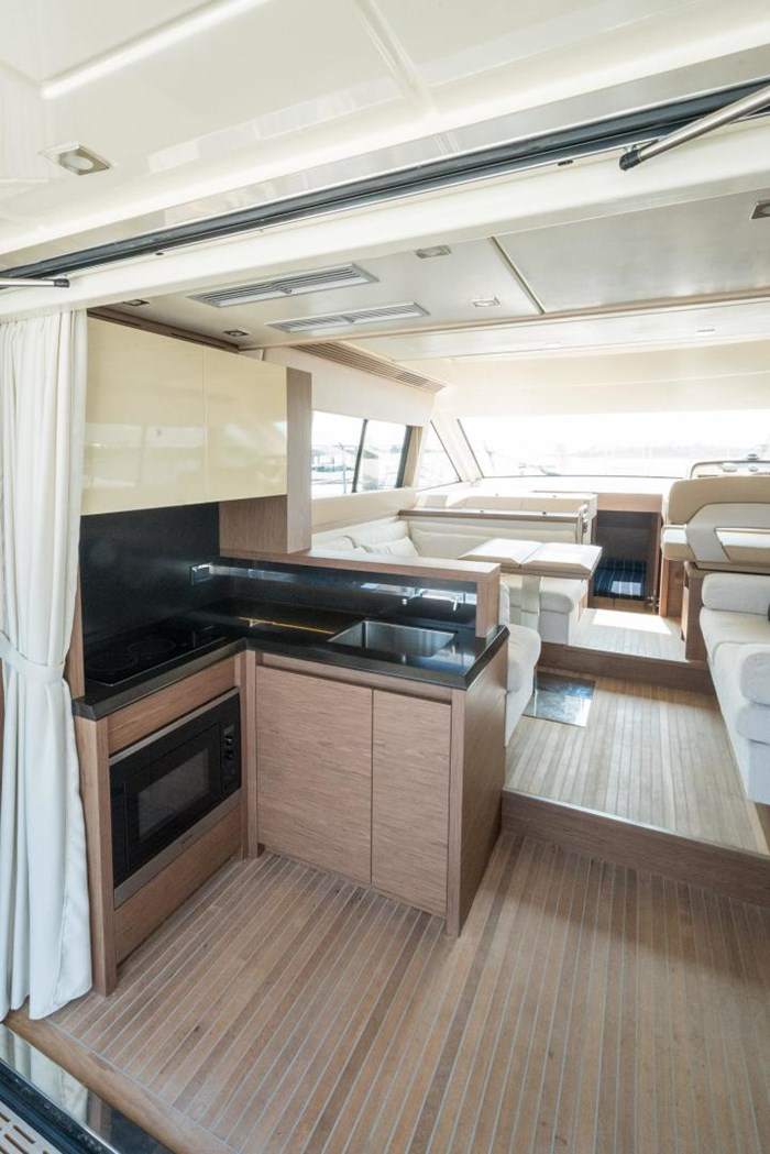 2018 Beneteau MC5 Photo 12 sur 49