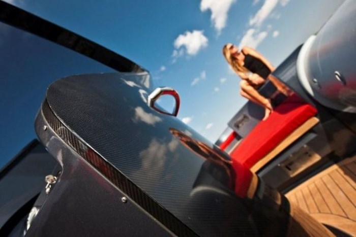 2021 Pirelli PZero 1400 Carbon Edition Photo 13 sur 32