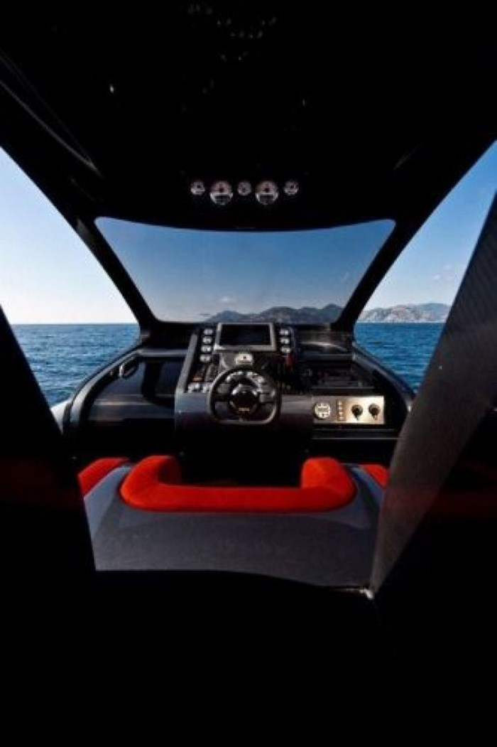 2021 Pirelli PZero 1400 Carbon Edition Photo 17 sur 32