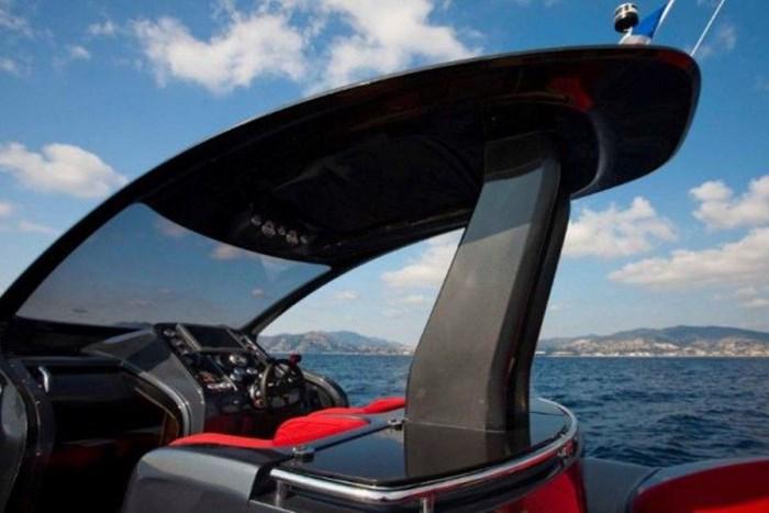 2021 Pirelli PZero 1400 Carbon Edition Photo 19 sur 32