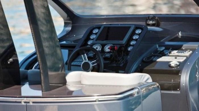 2021 Pirelli PZero 1400 Carbon Edition Photo 21 sur 32
