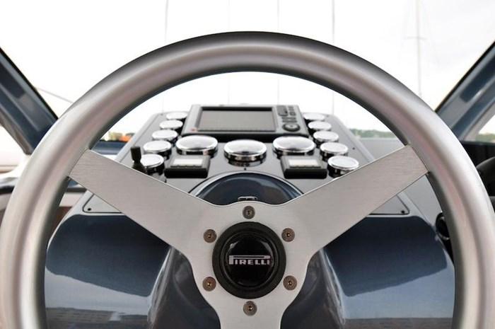 2018 Pirelli PZero 1400 Cabin Photo 14 sur 26